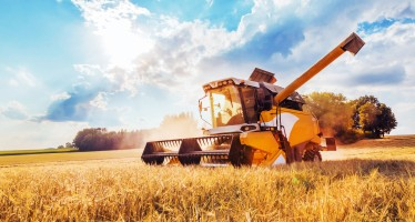 Engine cooling & air conditioning for agricultural machinery